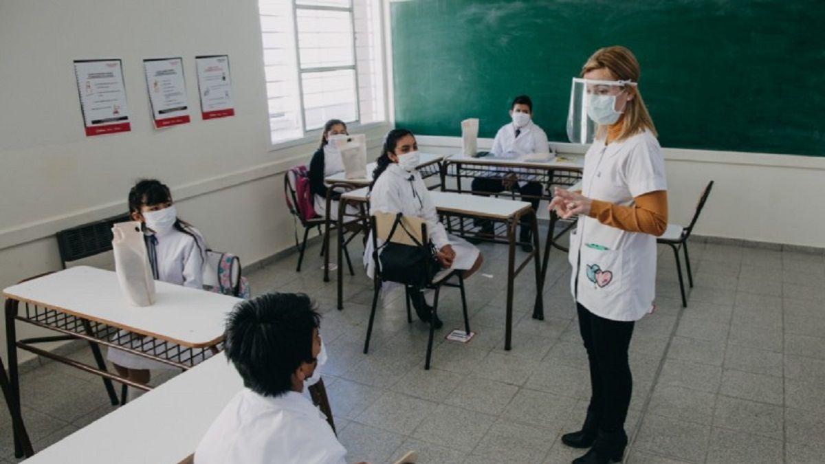 Estamos abocados 100% a la pandemia explicó Arcioni.