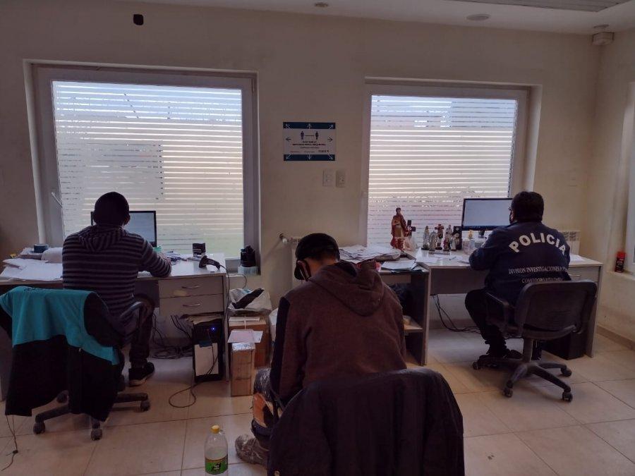 Peritos informáticos recaban información de equipos electrónicos de la empresa de transportes Ocasa