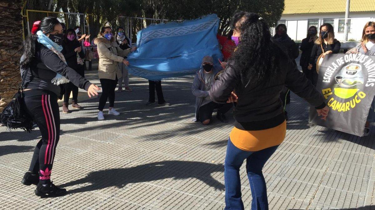 Trabajadores de centros de danza se movilizaron por el centro