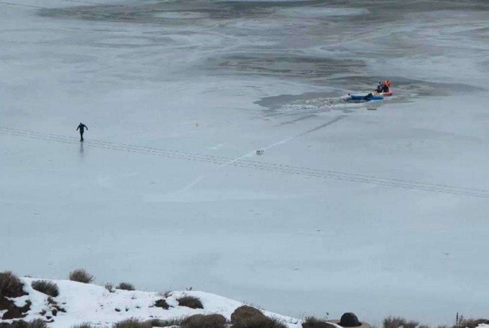 Dos niños cayeron al agua helada y murieron en el Dique San José de Río Turbio. Foto: La Opinión Austral.