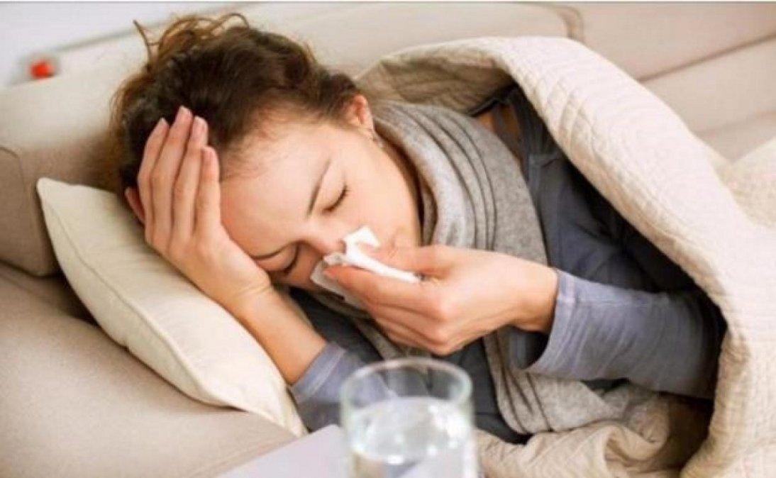 Cuatro síntomas que alertan sobre tener coronavirus luego de vacunarse.