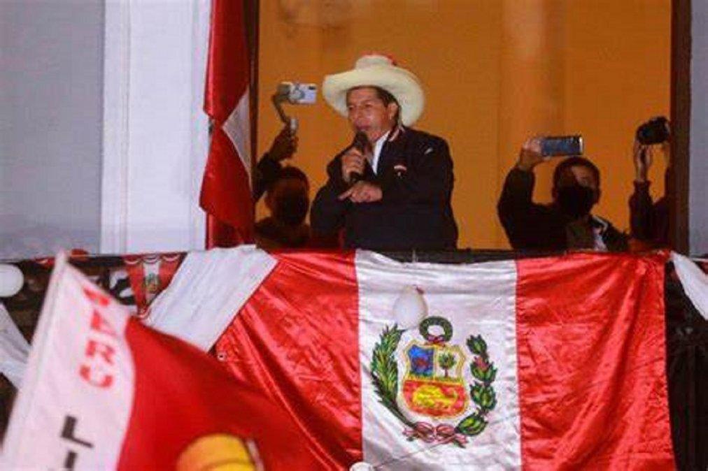 Pedro Castillo ya se siente Presidente de Perú.
