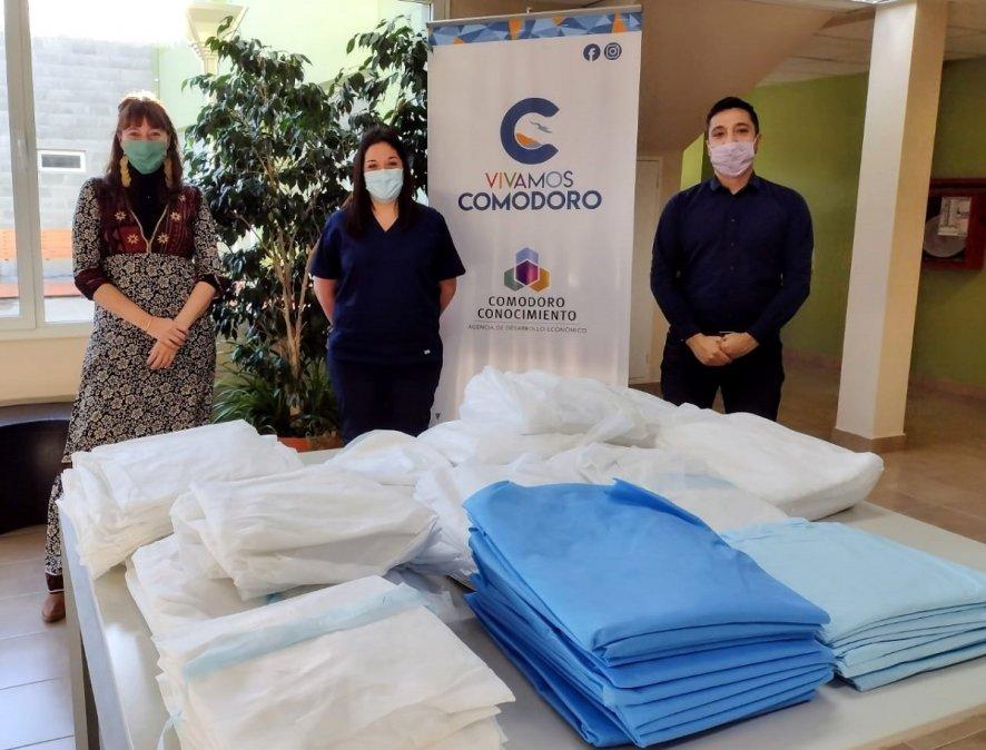 El Municipio entregó nuevos kits sanitarios al personal de Salud.