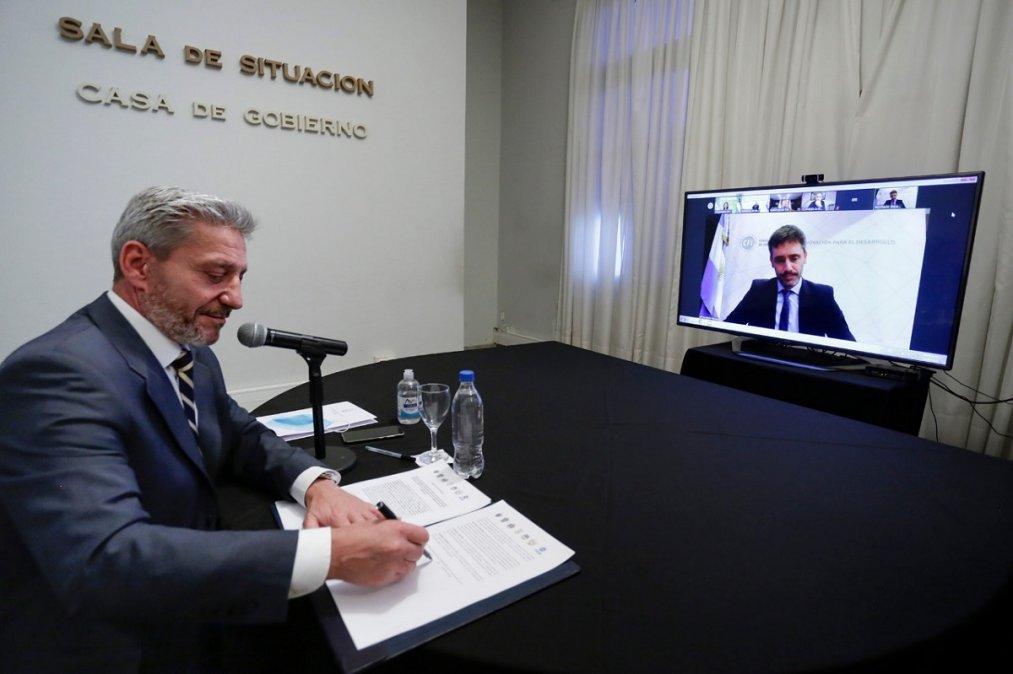 Arcioni y gobernadores de la región firmaron un convenio con el CFI para fortalecer la marca Patagonia.