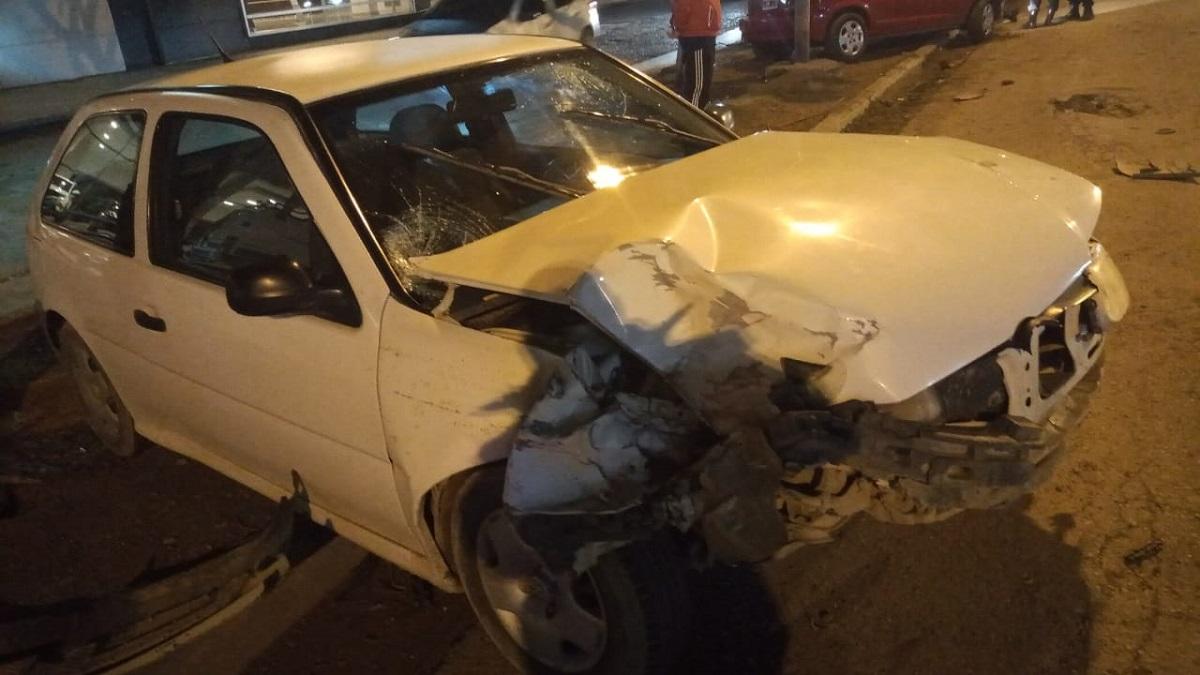 Así quedó uno de los autos involucrados en el accidente.