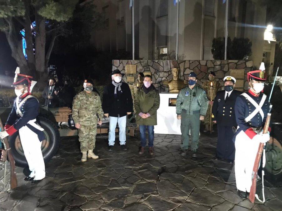 Se realizó en la sede del Comando de la IX Brigada de Infantería Mecanizada la ceremonia de incineración de banderas de izar en deshuso. El acto formo parte de la conmemoración del paso a la inmortatidad del General Manuel Belgrano.