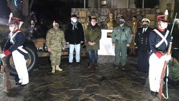En un acto realizado en el Comando se incineraron banderas
