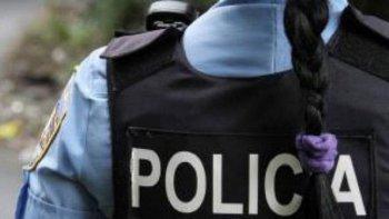 Una policía denunció por maltrato a un integrante de la Defensa Pública