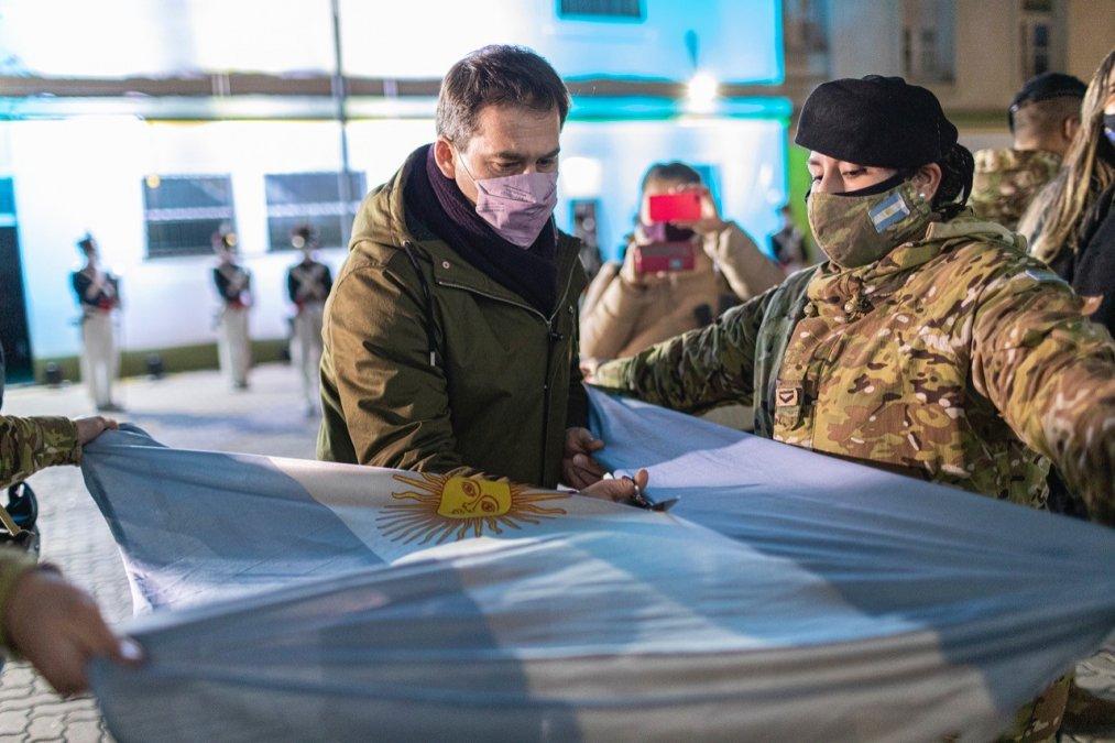Municipio y Ejército realizaron un acto en homenaje a la bandera nacional