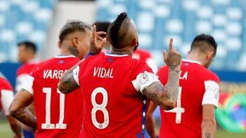 La Selección chilena no cumplió con la burbuja y hay escándalo