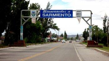 Arcioni anunció viviendas y redes de agua en Sarmiento
