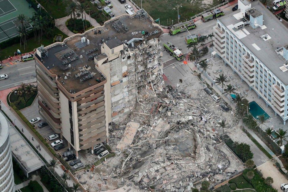 Se derrumbó un edificio en Miami.