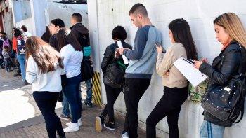 La desocupación alcanzó el 10,2% en el primer trimestre