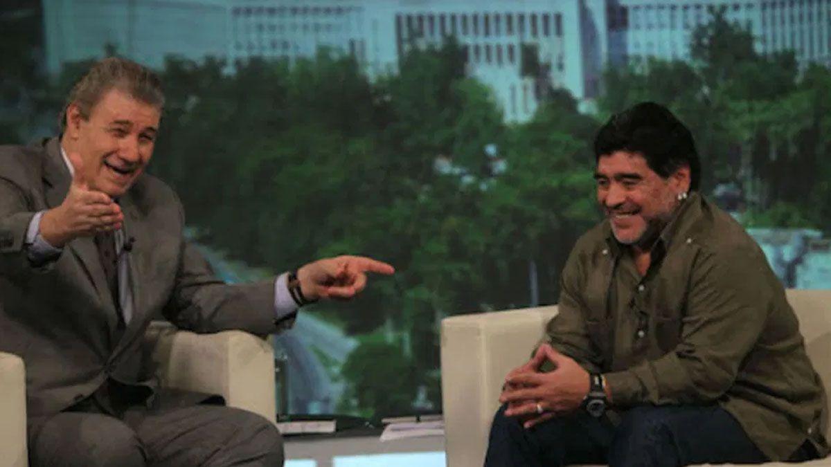 Victor Hugo Morales junto a Diego Maradona.