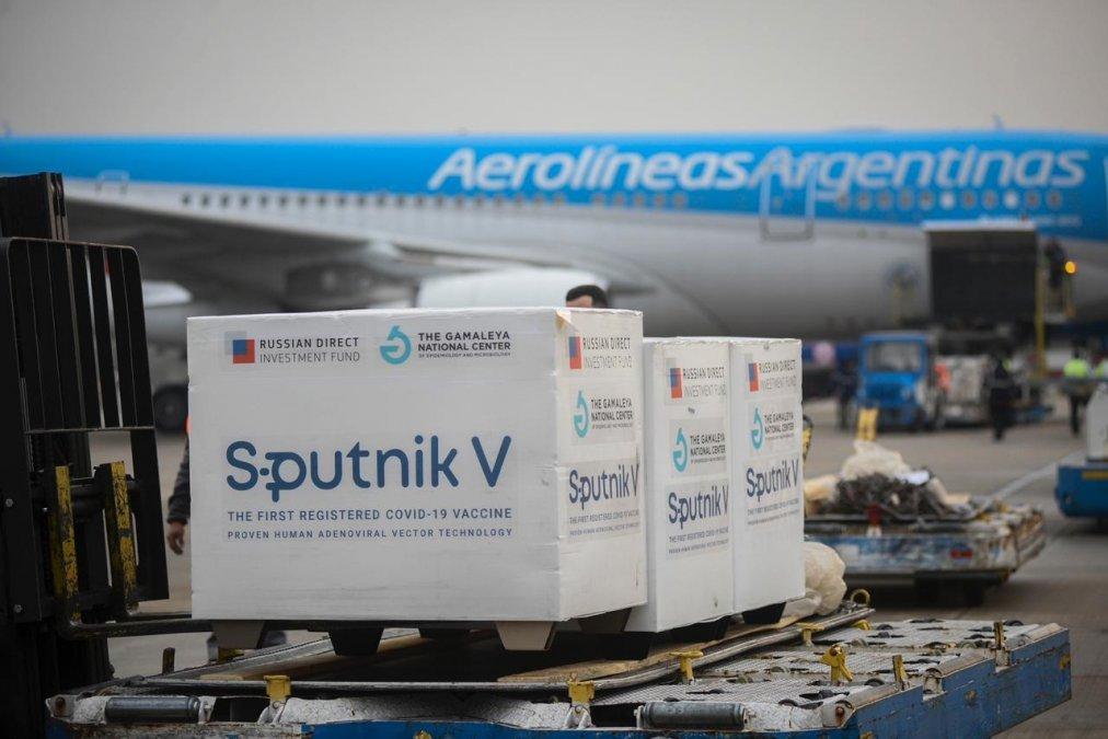 La llegada de vacunas no cesa: arribaron otras 550.000 dosis de Sputnik V componente 2