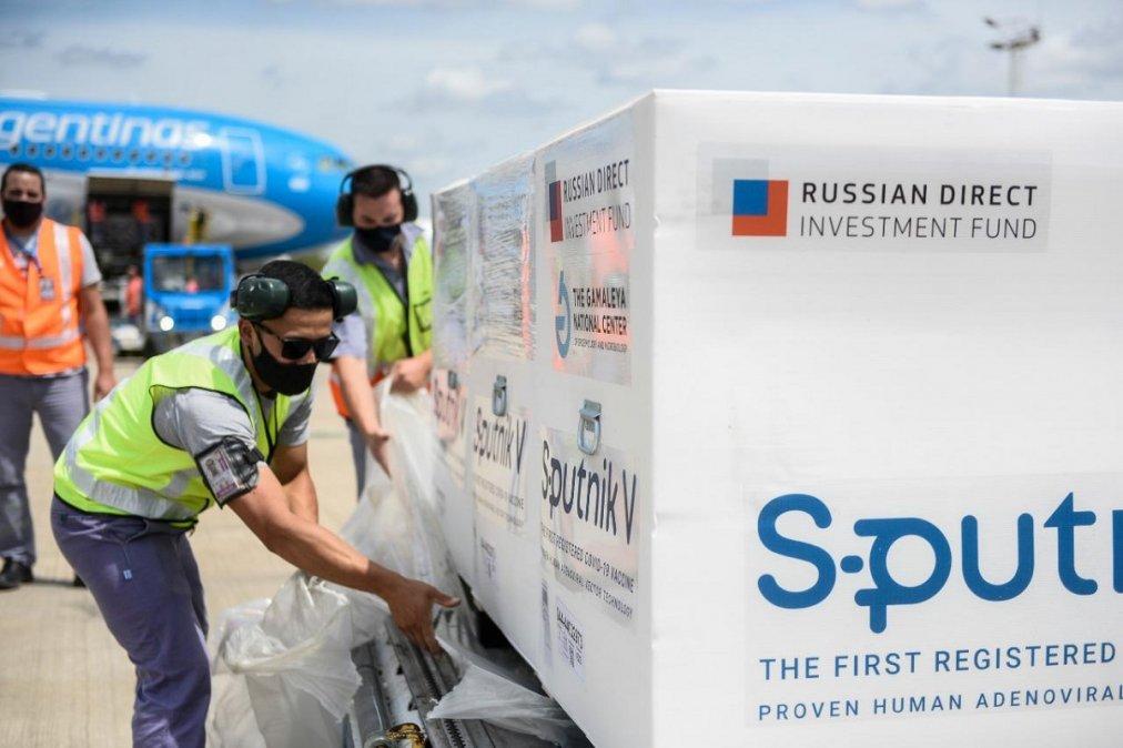 Llegan a Chubut 7.800 dosis del segundo componente de la vacuna Sputnik V.