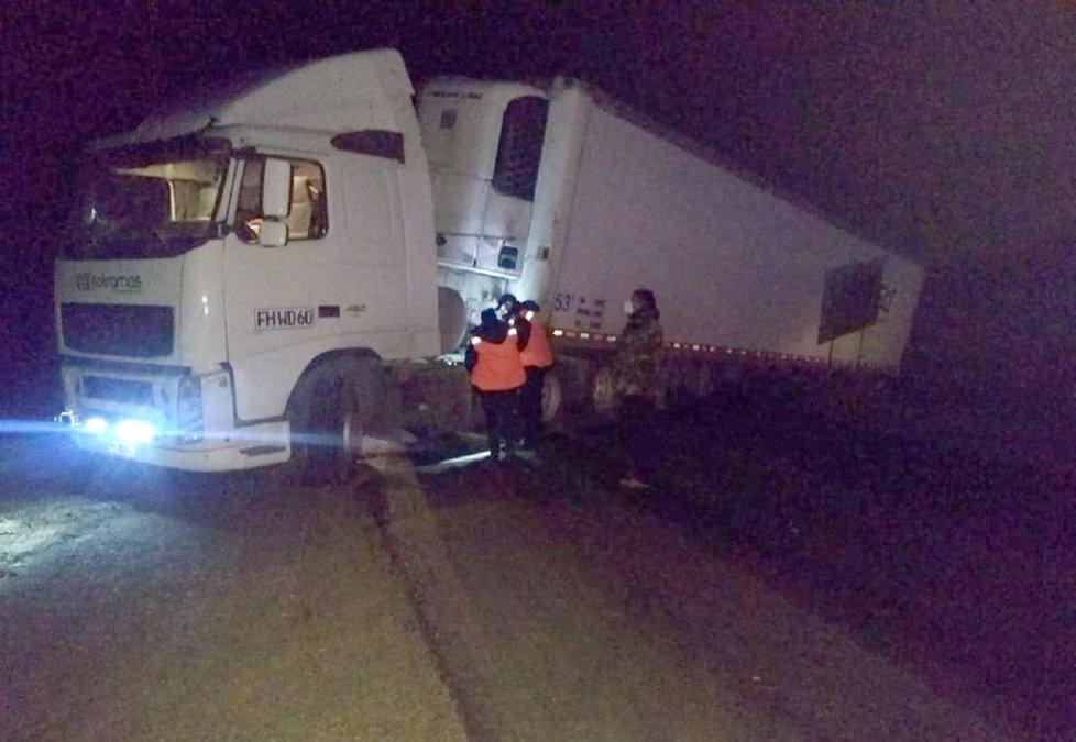 Se atascó un camión y bloqueó la Ruta 40.