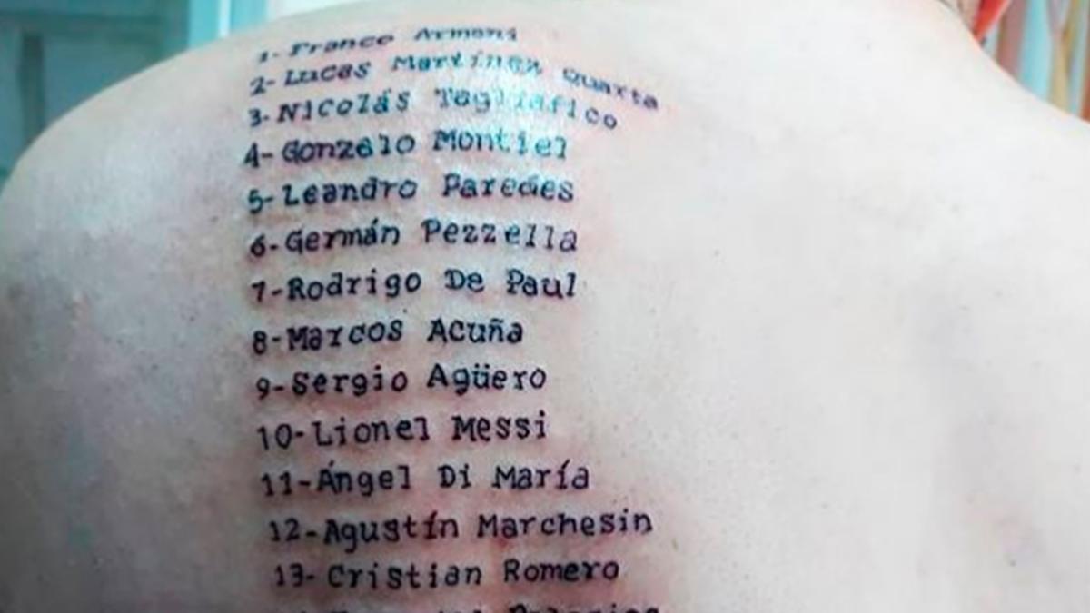 Un cordobés se tatuó el nombre de todos los jugadores de la Selección Argentina.