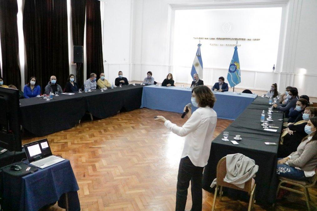 La provincia presentó la Sala de Situación de Salud ante funcionarios nacionales del área. Se brindó un panorama con respecto a la atención de pacientes con COVID y la atención de las enfermedades crónicas.
