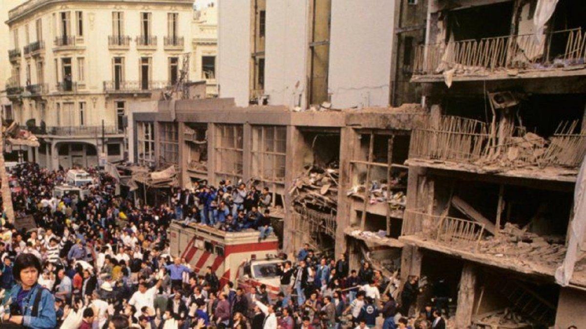 Este domingo se cumplen 27 años del atentado a la AMIA
