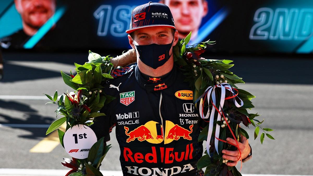 Verstappen ganó el Sprint y aumentó la ventaja en lo más alto.