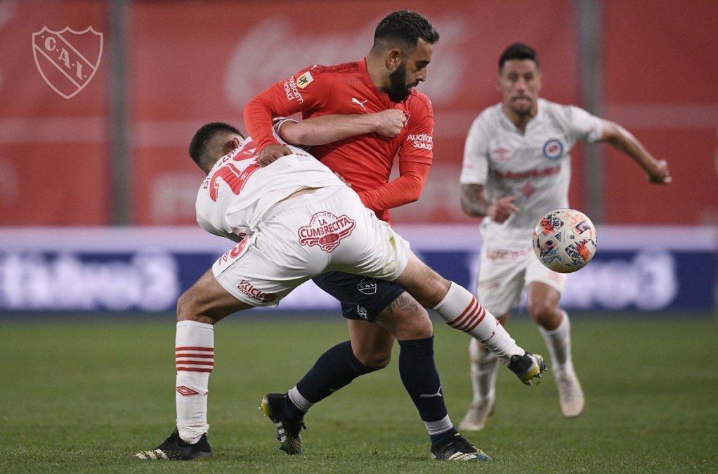 Independiente y Argentinos empataron sin goles en Avellaneda.