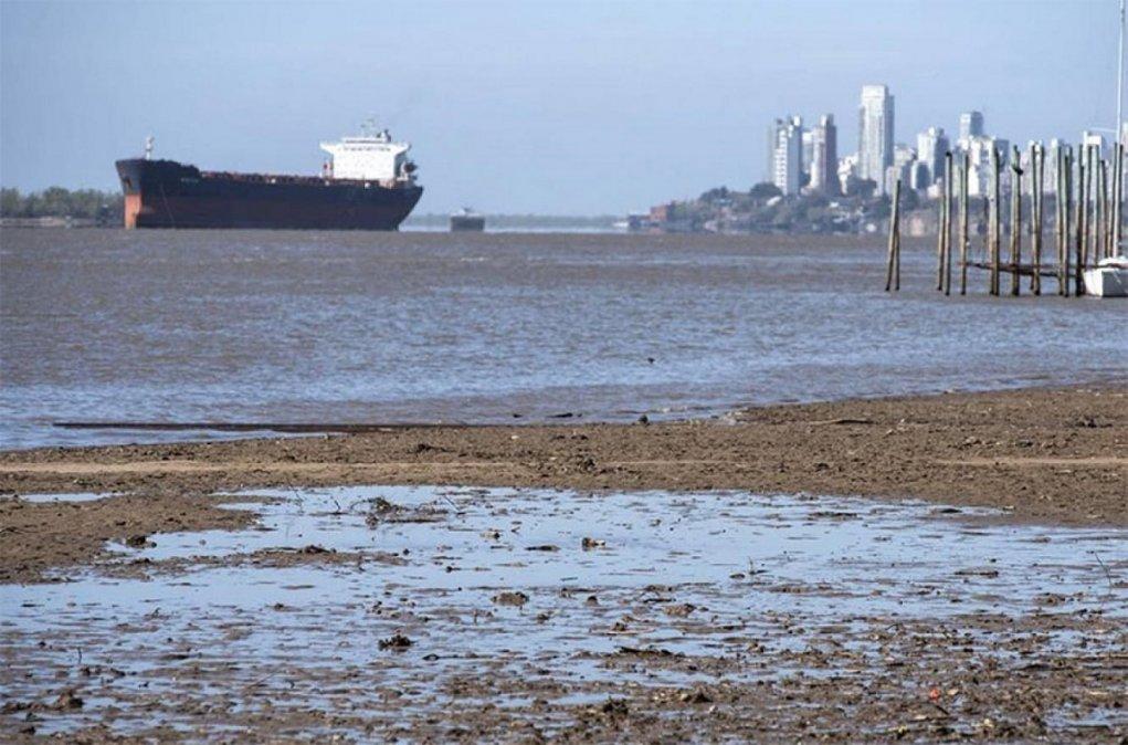 Histórica bajante del Paraná y piden limitar el consumo de agua en siete provincias.