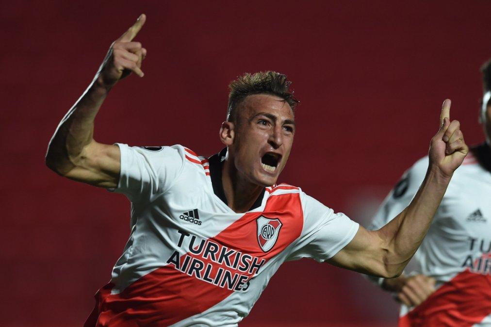 Braian Romero marcó los dos goles que le dieron la clasificación a River en La Paternal.