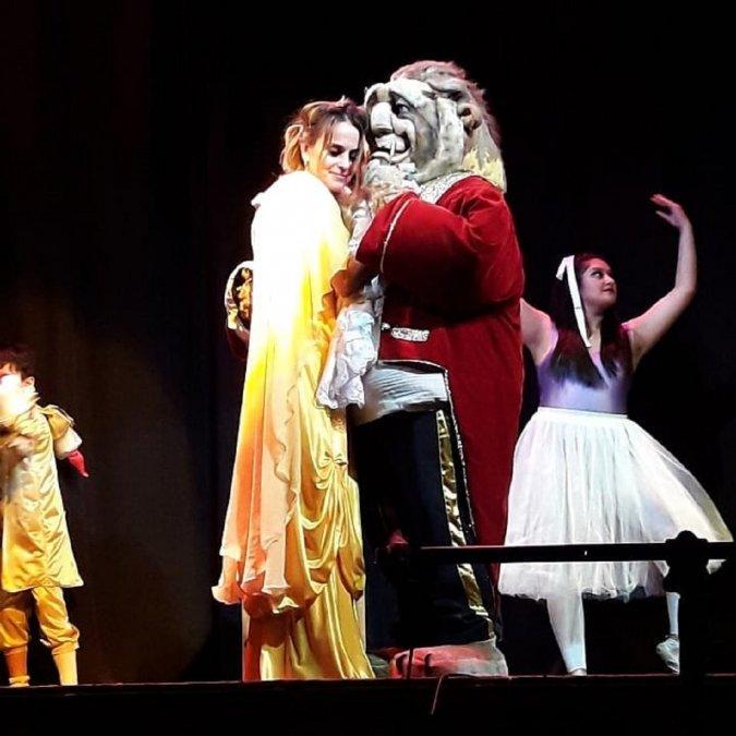 Se repite la Bella y la Bestia en el Teatro de Astra.