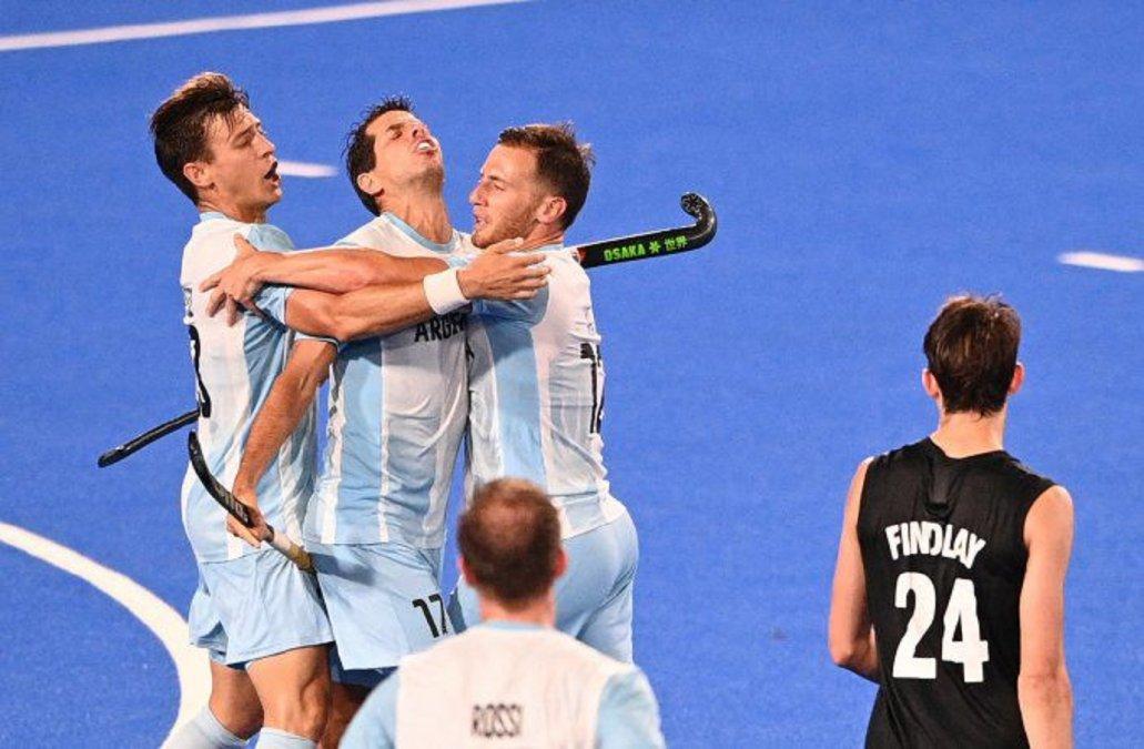 Los Leones golearon a Nueva Zelanda y avanzaron a los cuartos de final.