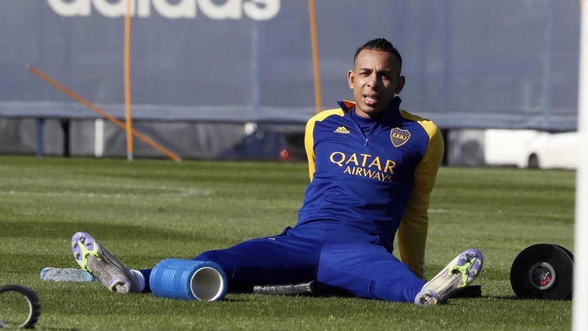 Sebastián Villa no fue a entrenar y presiona para irse.