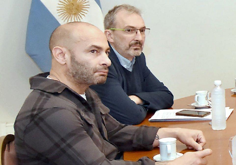 El gobernador confirmó que ni Federico Massoni ni Fabián Puratich se tomarán licencia para hacer campaña.
