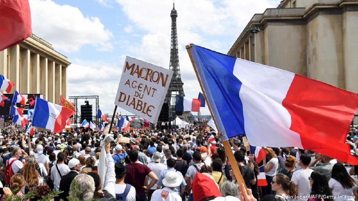 Protestas en Francia por el carnet sanitario y la vacunación obligatoria
