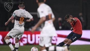 Independiente empató con Platense y alcanzó a Racing en la cima
