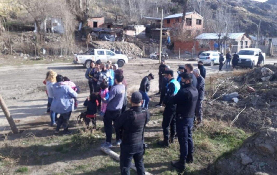 Tensión en Esquel: Vecinos llamaron a la policía por un intento de toma de tierras