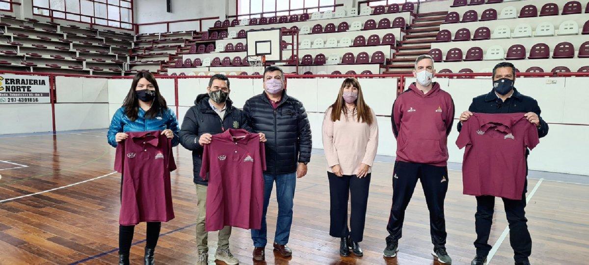 La Delegada González expresó su satisfacción por el acuerdo firmado con la importante entidad deportiva.