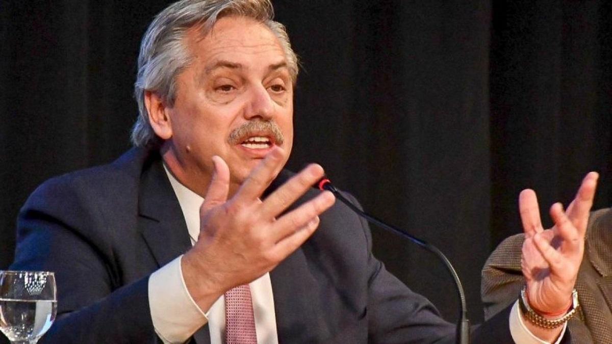 Alberto Fernández encabeza la apertura de la cumbre latinoamericana sobre cambio climático.