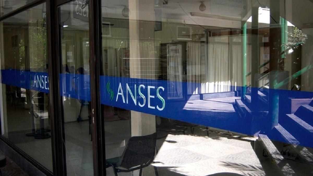 Se vienen los feriados y hay cambios en el calendario de pagos del ANSES