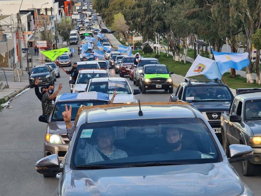 El Frente de Todos cerró la campaña con caravanas en distintos puntos de la provincia.