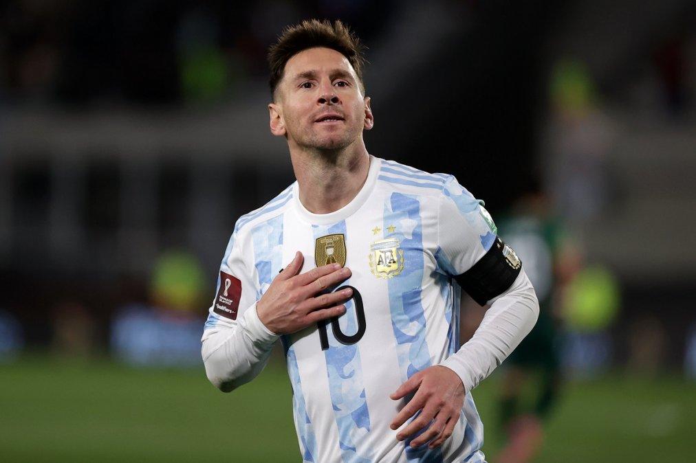Lionel Messi convirtió los tres goles en el triunfo de la Selección Argentina sobre Bolivia.