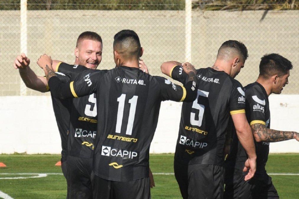 Deportivo Madryn empató con Camioneros.