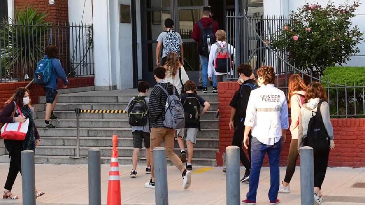 Confirmaron tres casos de la variante Delta entre los contagiados de coronavirus en el Colegio ORT de Belgrano