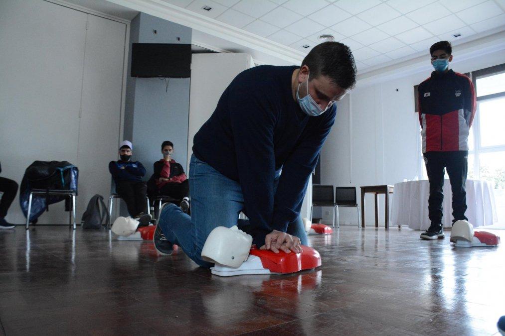 Docentes e instructores de la zona norte realizaron una capacitación en RCP y lesiones