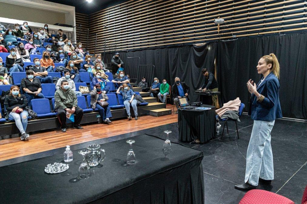 La Municipalidad de Comodoro Rivadavia y OSDE brindaron una capacitación en atención al cliente.