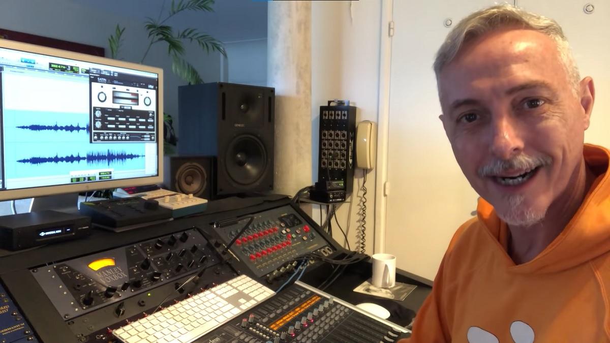 Pedro Aznar trabaja en la remasterización del disco debut de Serú Girán.