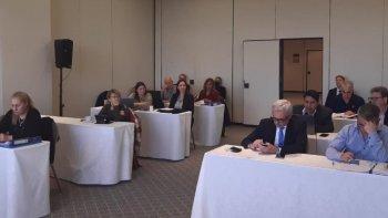 Buscan sancionar a un juez por pedir la renuncia del gobernador Arcioni