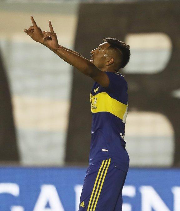 Boca le ganó 2-1 a Atlético Tucumán y sigue sumando.