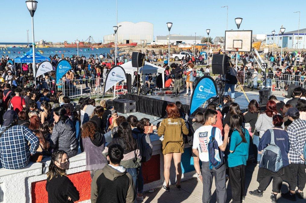 Comodoro festejó el Día del Estudiante con una masiva jornada recreativa en la Costanera.