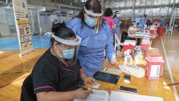 Hoy continúa la vacunación con Sinopharm y Moderna