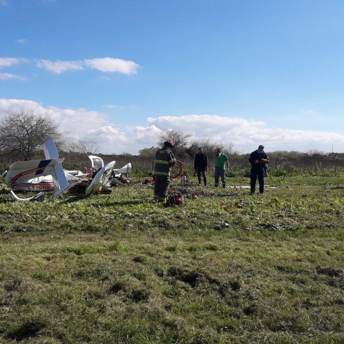 Dos muertos tras caer una avioneta a metros de la Autopista Buenos Aires-La Plata.